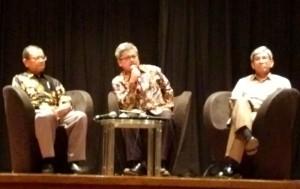 H. M. Machasin, MA (DirjenBimbingan Masy. Islam Kementerian Agama), Rafendi Djamin (Wakil Indo u AICHR), Dr. Abdurrahman M. Fachir (Wakil Menteri Luar Negeri RI)
